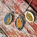 3 leafs-glazed pendants