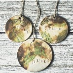 "Small Rustic Leaf Wall Hanging with Word ""Tree"""