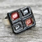 Red & Black Squares Square Ring